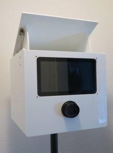 SmileCube Fotobox auf Stativ 2